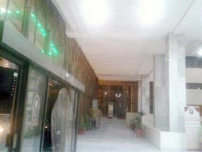 """شاهد: كاميرات المراقبة في مكة ترصد """"شبحاً"""" عند الثالثة فجراً.. والناطق الإعلامي يؤكد"""