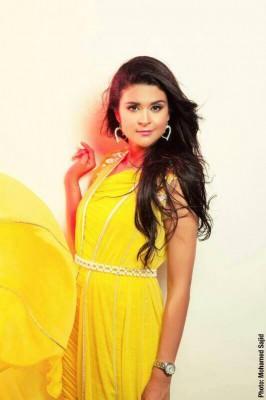 """بالصور : """" للجمال عنوان """"...سلمى رشيد تُبرز ملامحها وتترشح لدخول سباق نجم 2013"""
