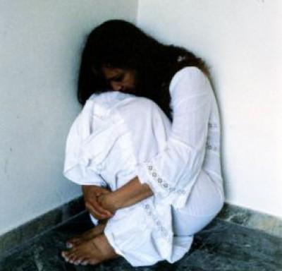 مدير مدرسة خاصة يغتصب فتاة سعودية بالتناوب والده 9998420925.jpg