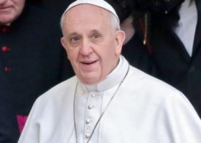 """بابا الفاتيكان يعترف.. كان يعمل في """"ملهى ليلي"""""""