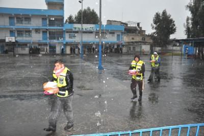 الفلاح الخيرية تغيث  الأسر المنكوبة من المنخفض الجوي الشديد على فلسطين