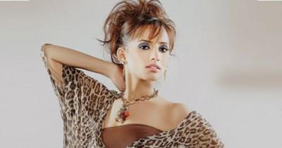 """هل تزوج أحمد عز من الفنانة """"زينة"""" ؟"""