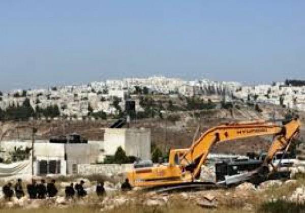 النضال الشعبي تدين قرار الاحتلال مصادرة 20 دونما لشق شوارع استيطانية شرق نابلس