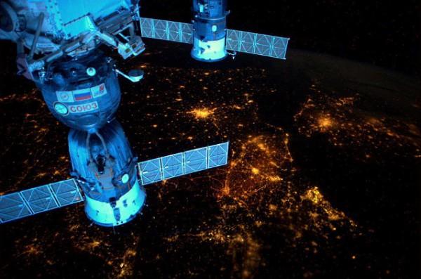 """صور من الفضاء """"عالم أخر """""""