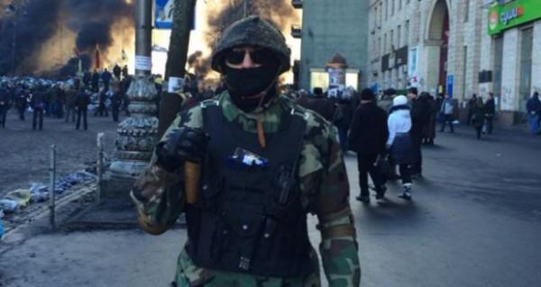 """قوات """"الخوذ الزرق من الميدان"""".. جندي إسرائيلي سابق قـاد ميليشيا لقتال الشرطة الأوكرانية في كييف"""