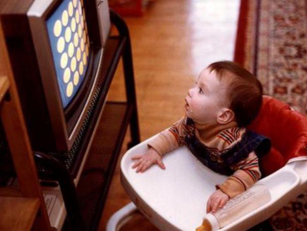 أطفالنا والقنوات الفضائية 9998444087.jpg