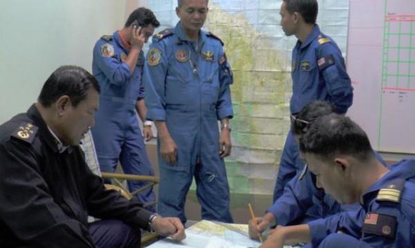 لا أثر للطائرة الماليزية وتحقيقات باحتمال وقوع عمل إرهابي