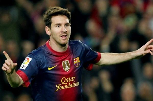 ميسي يقود برشلونة للفوز على بيتيس ..ويكافح على قمة الليجا