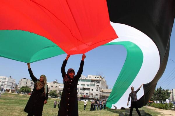 وزارة الثقافة تطلق فعالية أطول علم فلسطيني مرفوعاً