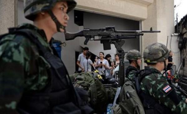 الجيش التايلندي يفرض حظر التجوال بعد إعلانه الأحكام العرفية