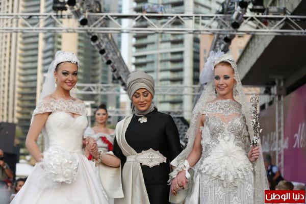 كل النجوم يشاركون عرض مصممة الأزياء الكويتية فاطمة إسماعيل في بيروت