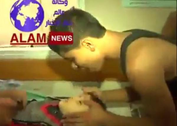 فيديو مؤثر:في اول أيام العيد..طفل شهيد يعود للحياة أمام الكاميرا