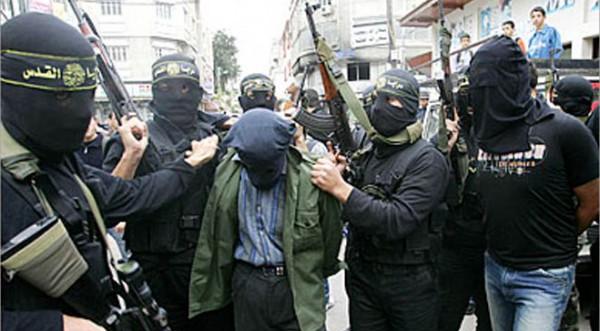 """ميدانيا .. اعدام 7 عملاء جدد """"بعد صلاة الجمعة"""" قرب مسجد العمري بغزة ليصل العدد الى 21 خلال 48 ساعة"""