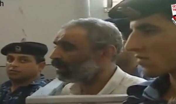 """ما هي """"المحكمة الثورية""""؟ :نصوص قانون العقوبات الثوري ..شاهد فيديو لمحاكمة عميل بنابلس وفق القانون"""