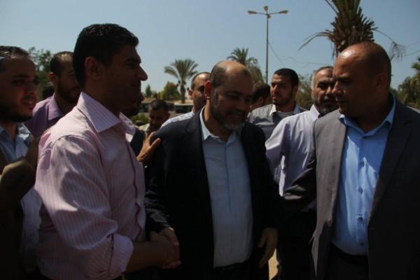بالصور.. أبو مرزوق يصل غزة: التهدئة لشهر لاستكمال المحادثات