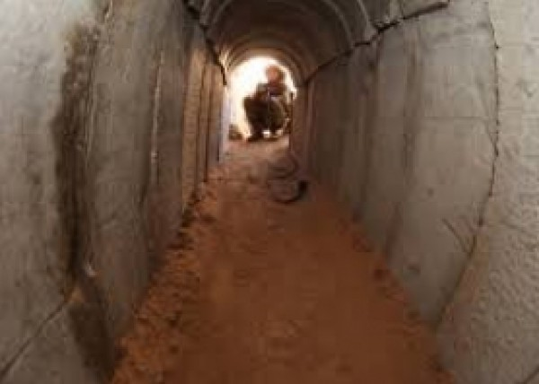الجيش المصري يقتل فلسطينيا ويعتقل اثنين آخرين في سيناء