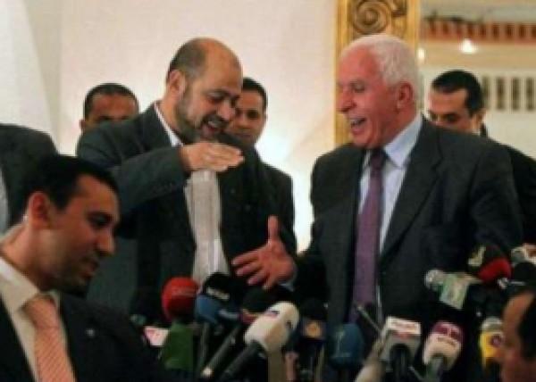 نزال: القاهرة اعتذرت رسميا عن استضافة حوار المصالحة