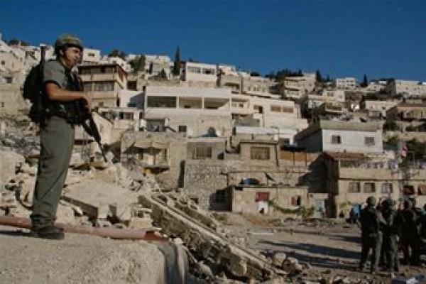 في سابقة خطيرة.. مستوطنون يستولون على 23 شقة سكنية في سلوان