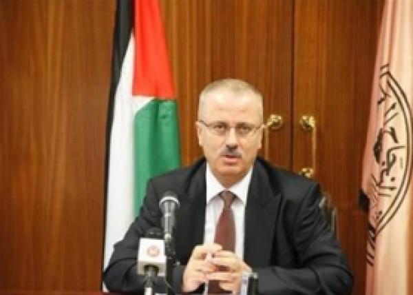 تحدث عن موظفي غزة المدنيين والعسكريين..الحمد الله: طالبت بتعديل وزاري والرئيس وافق