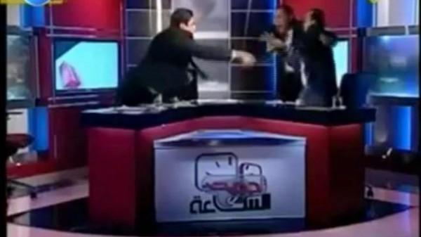 محاولات اطلاق النار بين متحاورين في برنامج تلفزيوني