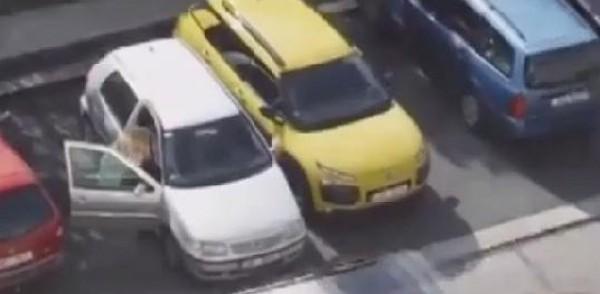 شقراء حاولت ركن سيارتها أكثر من 6 مرات