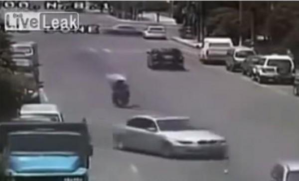 سرقة على دراجة نارية