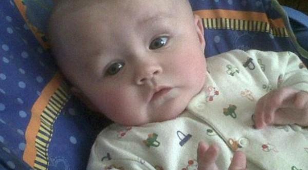 صور وفاة طفلة خبأ والداها المخدرات في كوبها المفضل