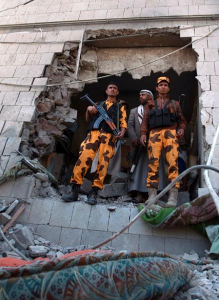 إيران تقوّي شوكة الحوثيين لتطويق السعودية