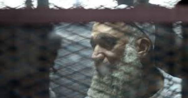 محامية تصرخ فى وجه الأمن لمنعها من زيارة المتهمين فى أحداث الشورى