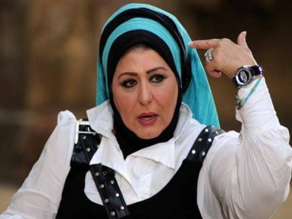 شاهد فستان سهير رمزي الغريب الذي أثار السخرية لمدة 15 يوما