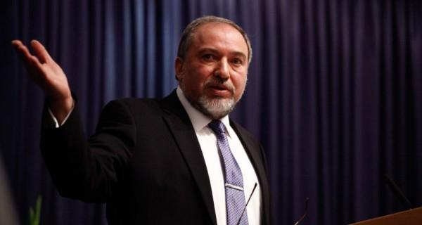 """ليبرمان: لم نردع غزة وما جرى """"ذرّ للرماد بالعيون"""""""
