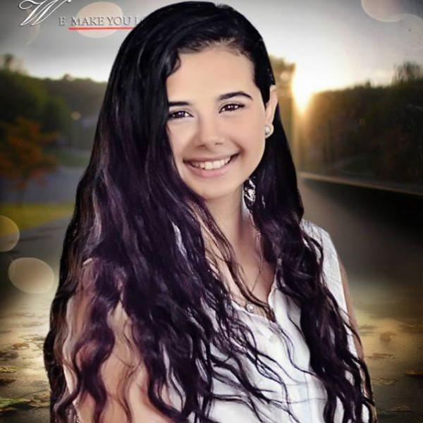 بالصور منة عرفة من طفلة صغيرة لمراهقة في قمة الأنوثة