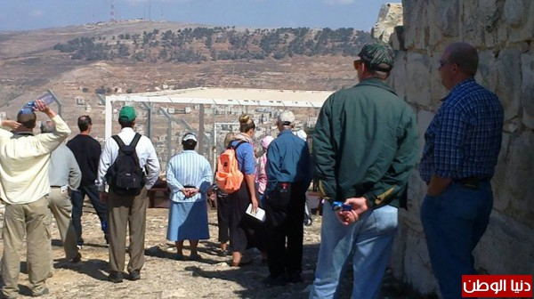 """أعلى قمة في نابلس : المواقع الأثرية بقبضة الاحتلال .. """"اليهود السامريون"""" يطالبون السلطة بحمايتهم"""
