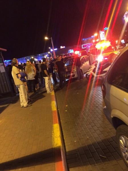 صور- اصابة 3 اسرائيلين بحالة الخطر الشديد في إطلاق نار من دراجة نارية في ايلات