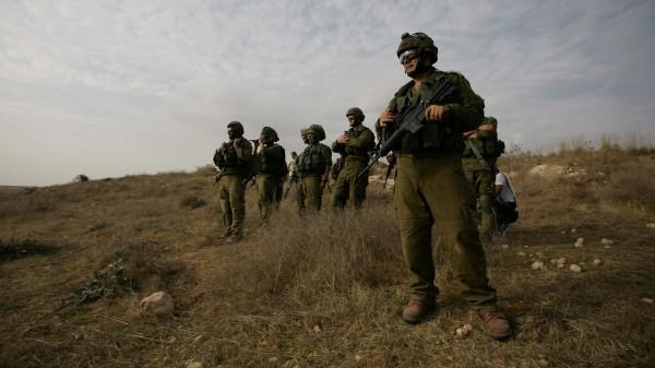 الاحتلال يعتقل ثلاثة شبان شرق رفح