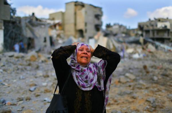 """مجلة أمريكية تصف المأساة: """"غزة هي الجحيم والناس يعيشون هنا فقط لأنهم لا يموتون"""""""