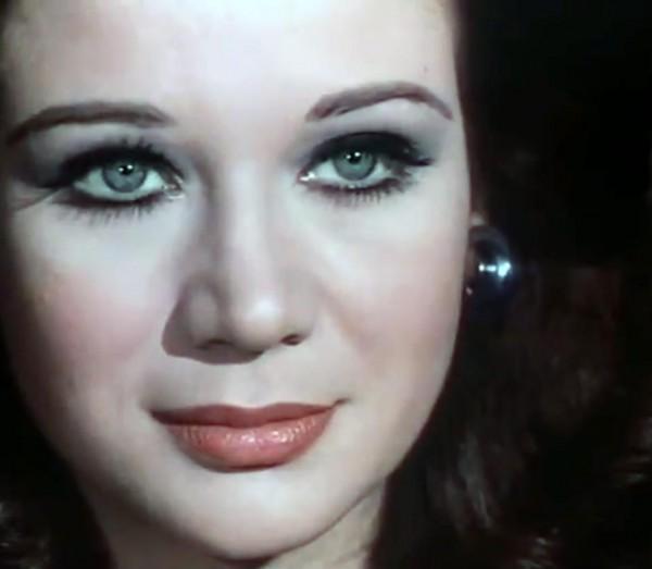 في أول ظهور تليفزيونى لها منذ عام 1976 زبيدة ثروت توصي بدفنها بجوار عبدالحليم حافظ