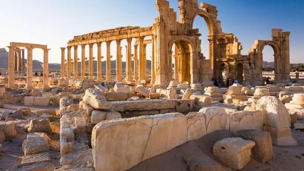 """بالصور - قصة """"لؤلؤة الصحراء"""" التاريخية… ألفا عام في قبضة داعش !!"""