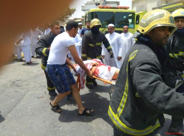 """أغلق الباب وتقدّم الصفوف ولم يُصلّ الجمعة : تفاصيل جديدة لحادثة """"القطيف"""" الانتحارية في السعودية"""