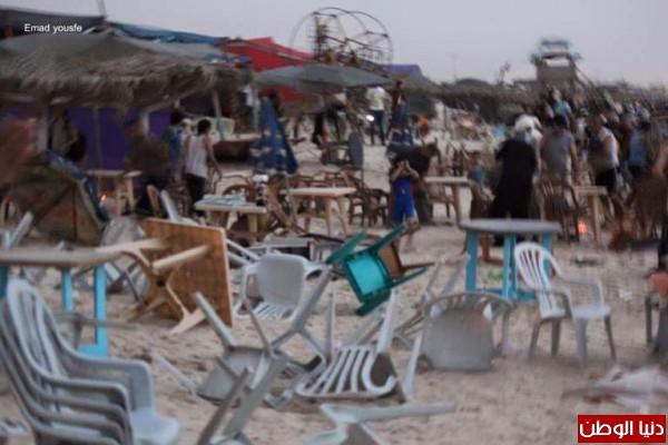 العاصفة الرملية التي ضربت شواطيء قطاع غزة :أشبه بأهوال يوم القيامة ..!؟