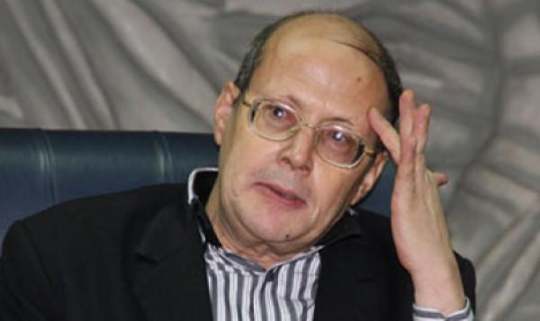 """كاتب مصري : يجب على السيسي تنفيذ """"مذبحة مماليك"""" ضد معارضيه"""