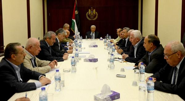 عبدربه : الرئيس عباس لا يملك قرار اقالتي من مهامي والقرار ملك التنفيذية وهو يُريد تولي منصبي !
