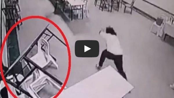 فتاة تفقد الوعى بعد إكتشافها وجود أشباح داخل مطعم