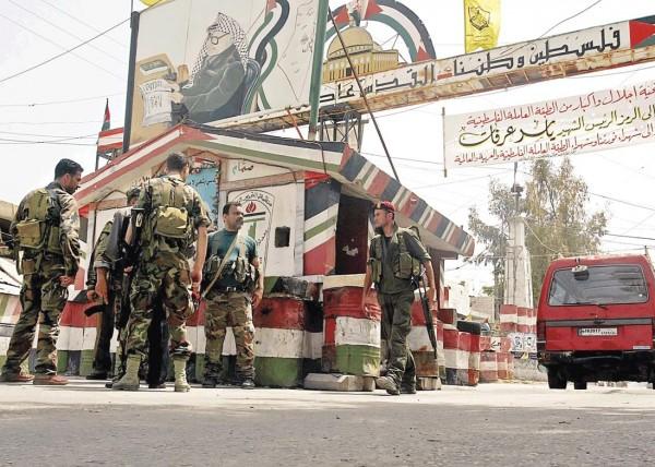 أبو العرادات: 90% عادوا للمخيم وقرارات باعتقال المجرمين وتسليمهم للعدالة