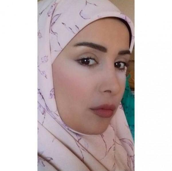 كندة حنا أنا لست مسلمة وإذا مو عاجبن يريحوني