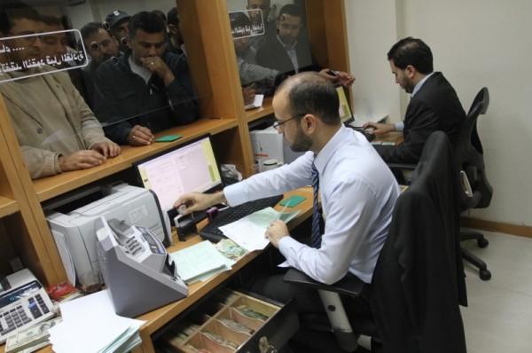 مالية غزة: صرف سلفة 40 بالمائة من رواتب موظفي غزة