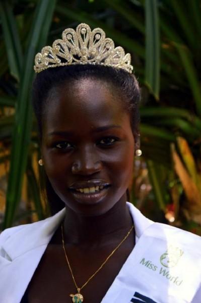 بالصور : ملكة جمال جنوب السودان تستعد للمنافسة على ملكة جمال الكون 9998631151