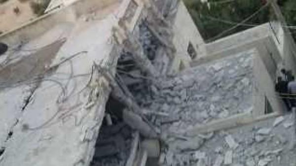 الاحتلال يهدم منزلي شهيدين ويغلق غرفة ثالث في القدس