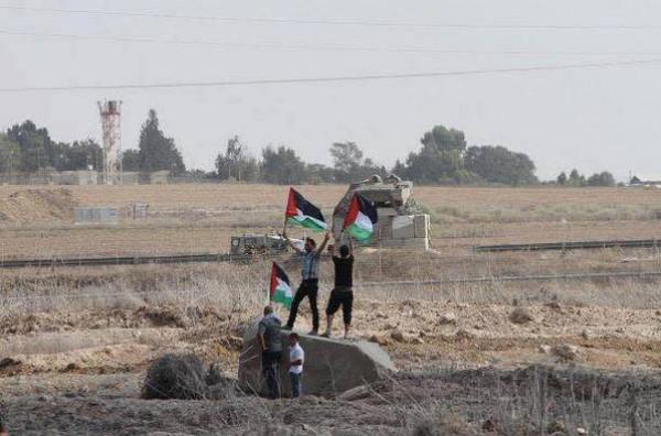 """بالصور : جانب من الموجهات المستمرة قرب موقع """"ناحل عوز"""" على الحدود الشرقية لمدينة غزة"""
