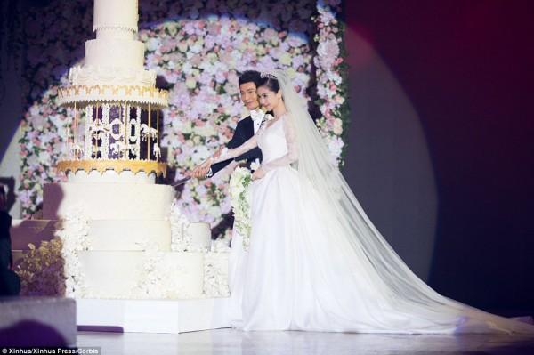 بالصور كيم كاردشيان وحفل زفاف بعشرون مليون يورو